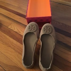 Worn 3 times good condition Tory Burch flats